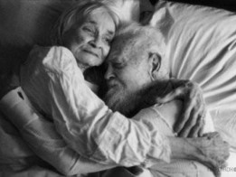 1347127659_old_couples_in_love_are_so_cute_640_26